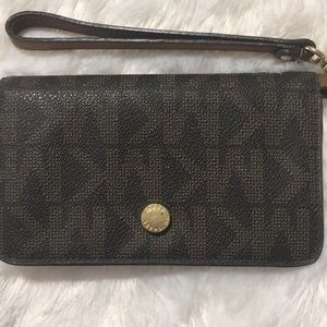 Michael Kors smart phone case wallet
